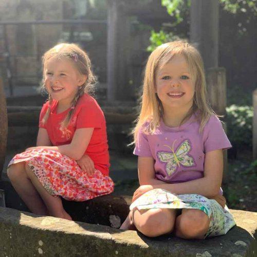 Enfant Terrible Wenderock Glockenblumen und Pinselblumen in red-lavender