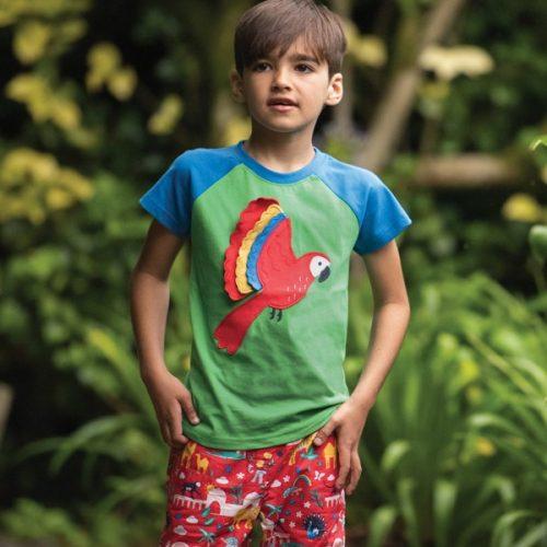Frugi Kurzarm-Shirt Papagei in grün-blau