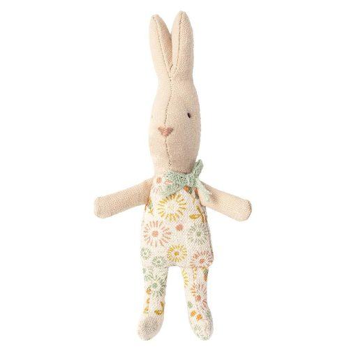 Maileg Hase My Boy micro mit blumigen Anzug - perfekt fürs Puppenhaus